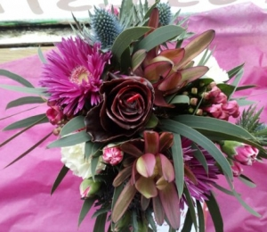 Valentine's Posy with a chocolate rose